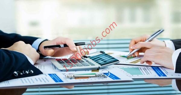 مطلوب محاسبين ومساعدين حسابات ومدير للعمل في شركة قطرية