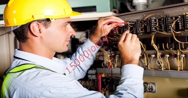 مطلوب مهندسين وفنيين كهرباء لشركة كبرى في البحرين