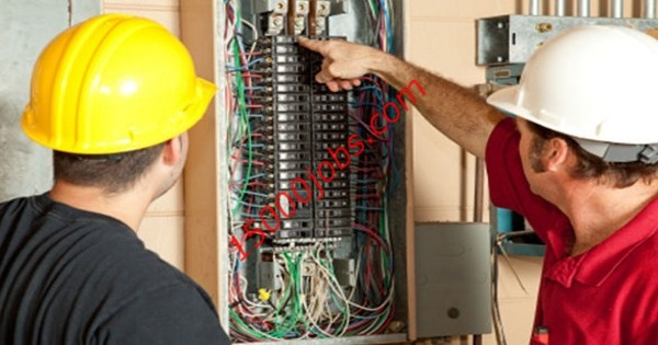 مطلوب فنيين كهرباء لشركة خدمات هندسية في البحرين