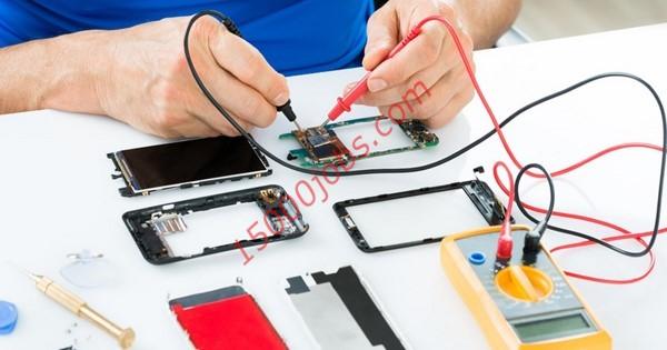 مطلوب فنيين صيانة هواتف للعمل في شركة كويتية