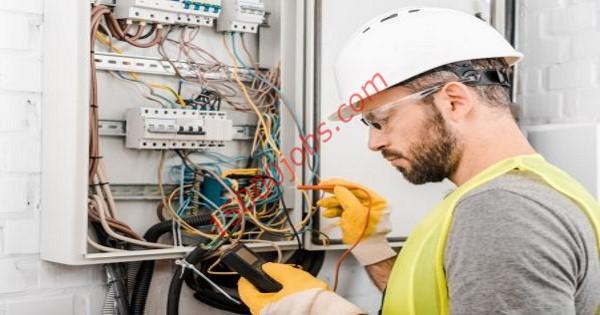 مطلوب فنيين كهرباء للعمل في شركة مقاولات بالبحرين